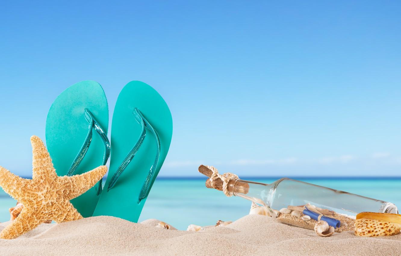 Фото обои песок, море, пляж, лето, солнце, бутылка, ракушки, summer, beach, каникулы, sand, сланцы, vacation, starfish, seashells