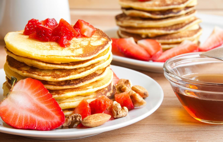 Фото обои ягоды, клубника, орехи, блины, pancakes