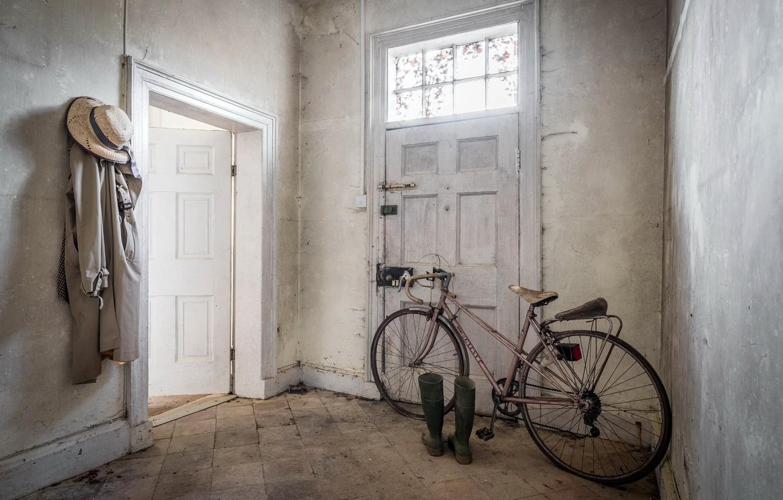 Обои велосипед, Дверь, сапоги. Разное foto 6