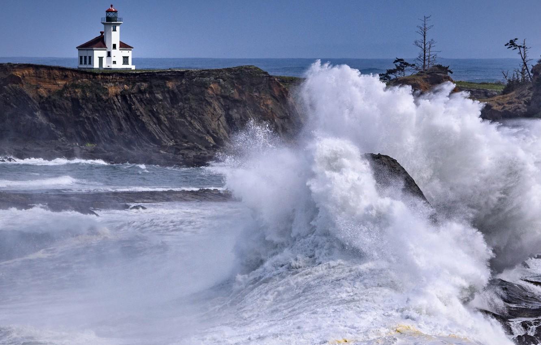Море шторм скалы брызги фото