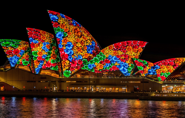 Фото обои море, цвета, вода, цветы, ночь, синий, красный, город, огни, зеленый, блики, темнота, люди, узор, яркие, ...
