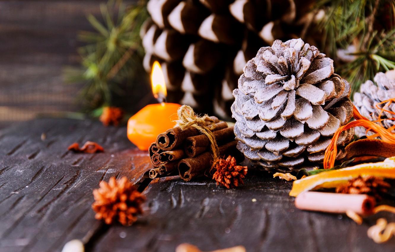 Фото обои ветки, доски, свеча, корица, шишки, сосна, специи