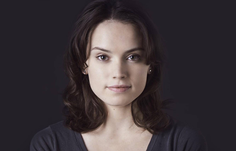Фото обои глаза, взгляд, девушка, улыбка, актриса, брюнетка, Daisy Ridley, Дэйзи Ридли