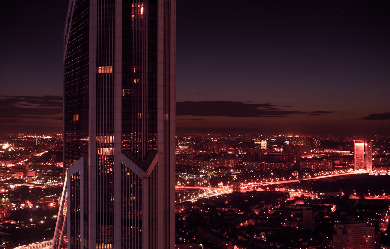 Фото обои city, dark, light, summer, sky, sunset, night, beautiful, view, skyscraper, clouds, evening, dawn, orange, Moscow, …