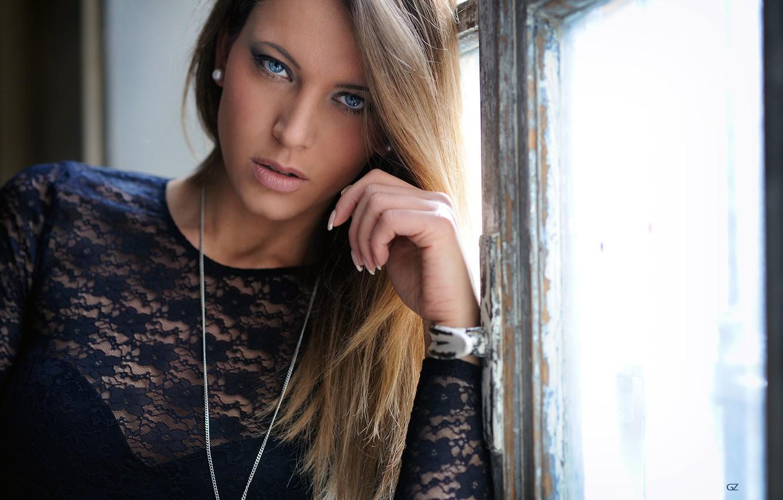 Фото обои girl, long hair, dress, photo, photographer, blue eyes, model, window, lips, face, sensual, blonde, necklace, …