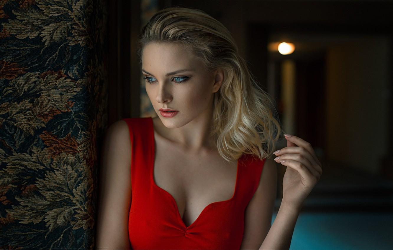 Фото обои взгляд, рука, блондинка, декольте, Carla Sonre, Damian Piórko