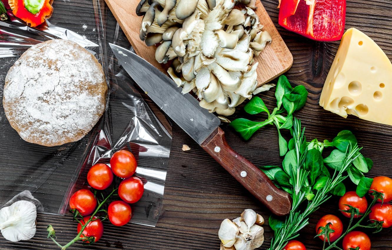 Фото обои зелень, грибы, сыр, томат, чеснок, тесто, заготовки