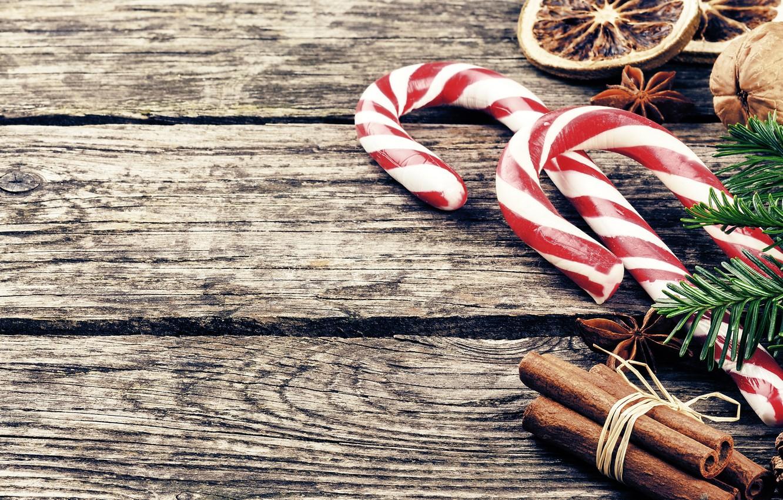 Фото обои праздник, новый год, ель, леденцы, цитрус, корица