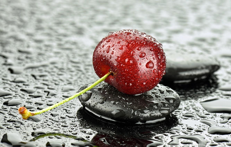 Фото обои капли, макро, вишня, камень, ягода
