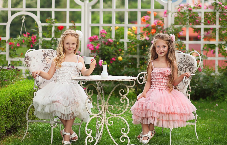 Фото обои природа, девочки, травка, модницы