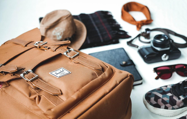 Фото обои кеды, камера, шарф, очки, тетрадь, рюкзак, notebook, camera, ежедневник, book, glasses, scarf, кника, sneakers, backpack, …