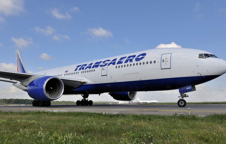 Фото обои Трава, Лайнер, Аэропорт, Boeing, 747, 300, 777, Самолёт, Пассажирский, Трансаэро, 222, EI-UNX, Transaero Airlines