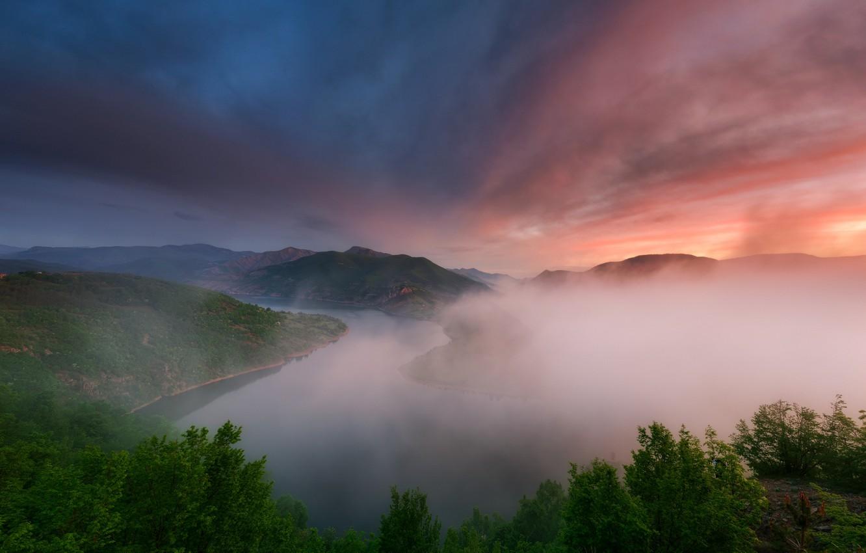 Фото обои свет, горы, природа, туман, река, вечер, утро