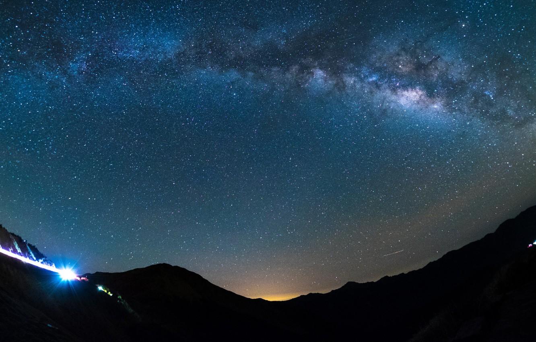 Фото обои небо, космос, звезды, пейзаж, горы, галактика