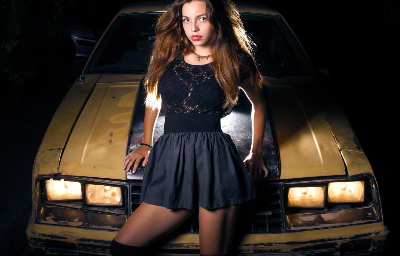 Фото обои машина, взгляд, девушка, поза, волосы, рухлядь, Mariant Anzola