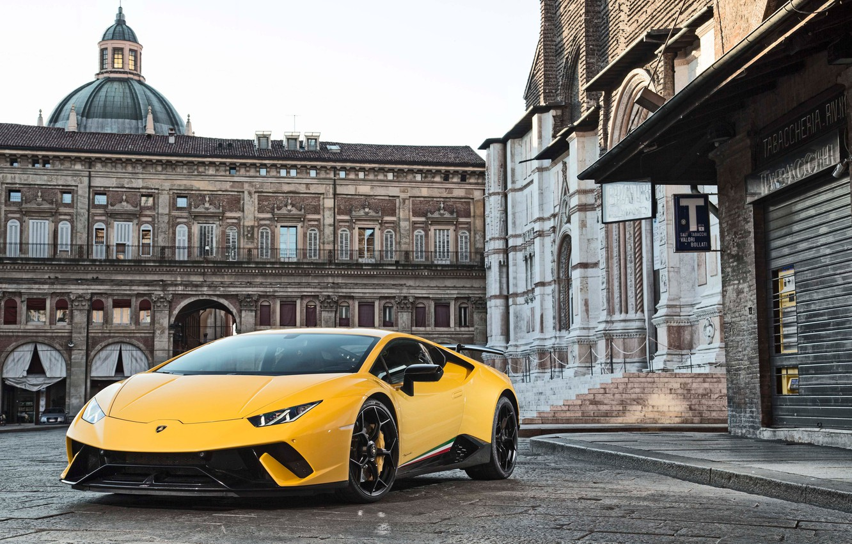 Фото обои city, Lamborghini, yellow, Huracan, Huracan Performante, Lamborghini Huracan Performante