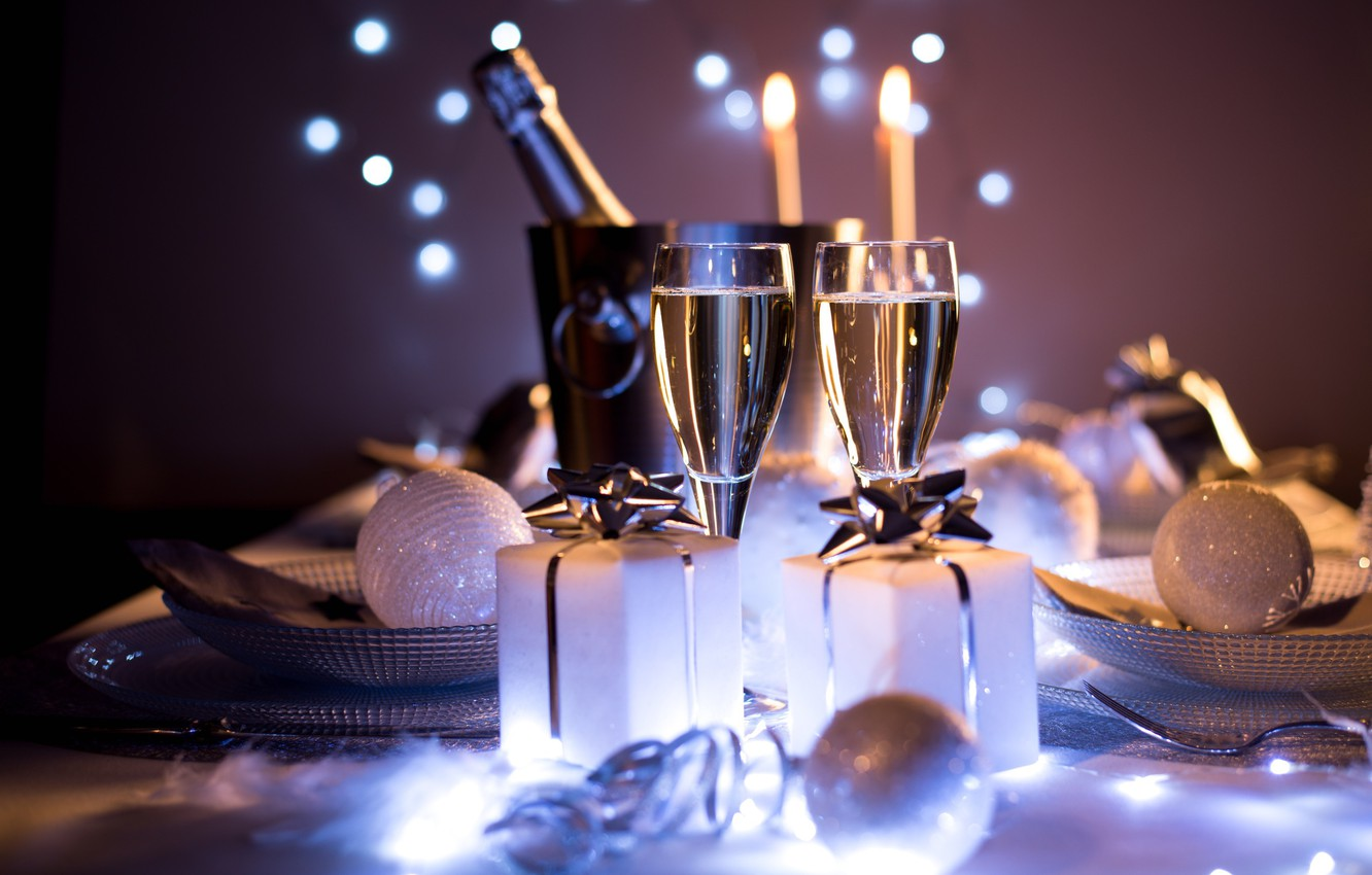 Фото обои Christmas, style, food, New Year, holiday, glasses, champagne, elegance, presents, dishes