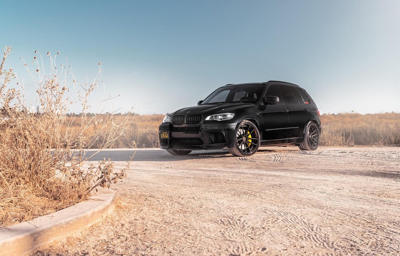 Фото обои BMW, Sky, Black, Background, X5M, Sight, E70