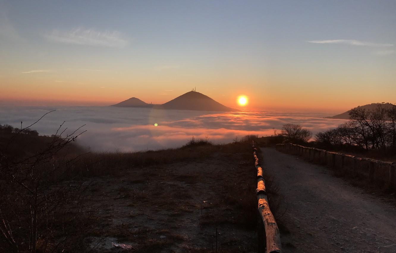 Фото обои дорога, небо, облака, утро