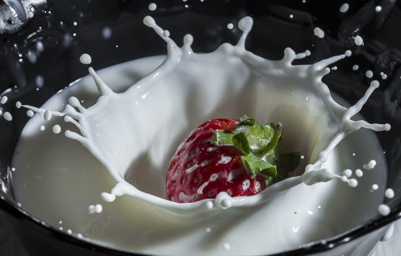 Обои клубника, молоко, брызги. Еда foto 11
