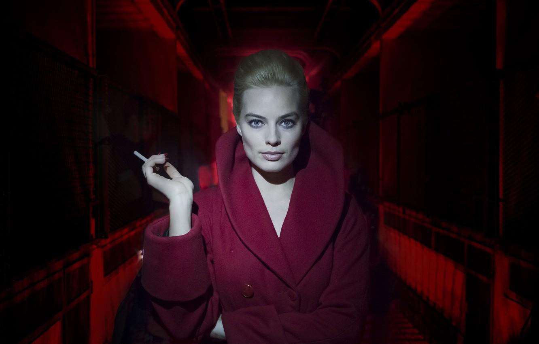 Фото обои девушка, сигарета, пальто, Terminal, Margot Robbie