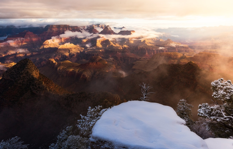 Фото обои зима, небо, облака, свет, снег, туман, каньон