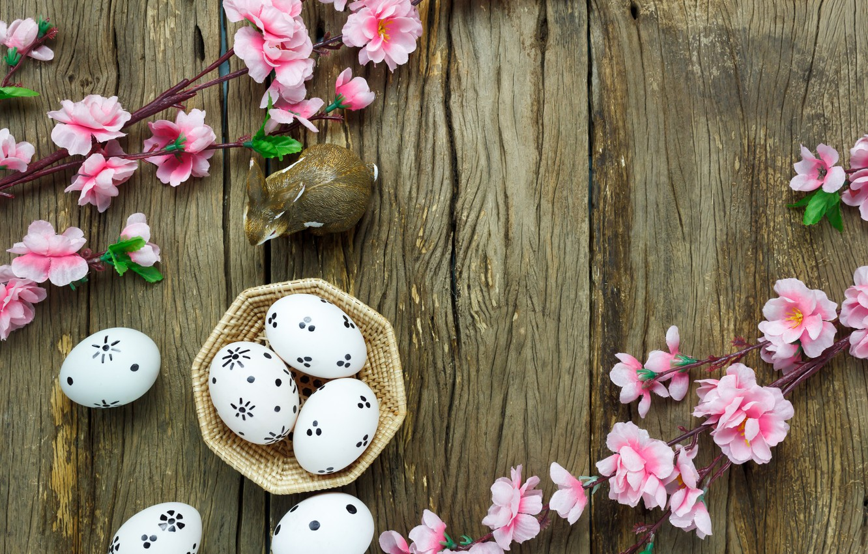 Фото обои цветы, корзина, яйца, весна, Пасха, розовые, wood, pink, blossom, flowers, spring, Easter, eggs, decoration, Happy, …