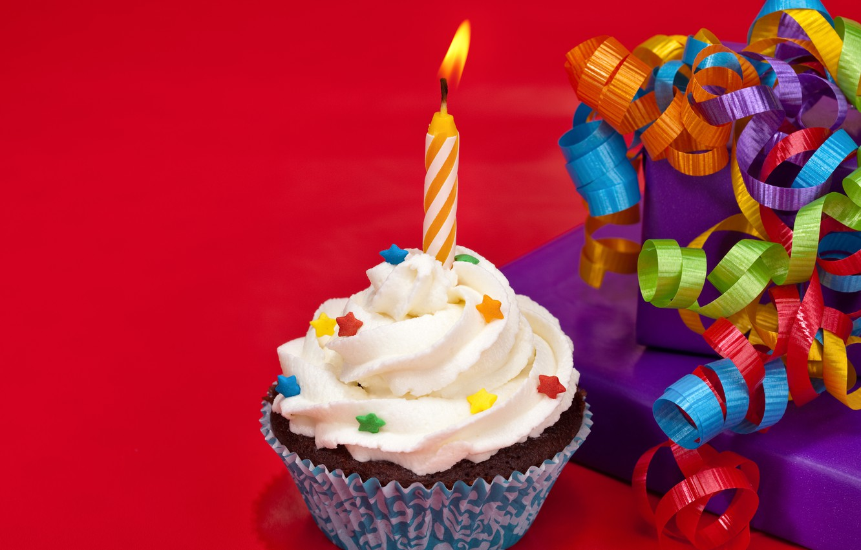 Фото обои свеча, пирожное, бантик, cake, крем, Happy Birthday, pink, sweet, cupcake, кекс, cream, dessert, День Рождения
