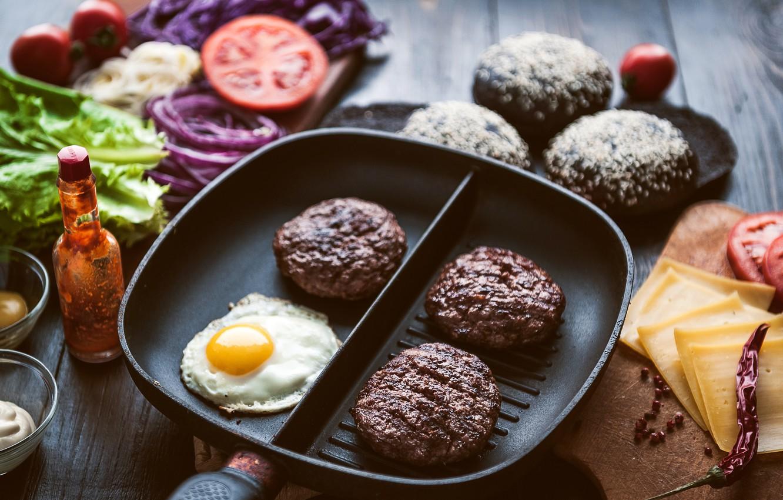 Фото обои зелень, сыр, хлеб, мясо, овощи, соус, гамбургер, котлета, сэндвич, булочка, бутерброды, hamburger, tomato, sandwich, ингредиенты