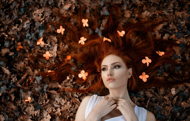 Фото обои осень, листья, цветы, лицо, настроение, волосы, рыжая, рыжеволосая, Alessandro Di Cicco, Valentina Galassi