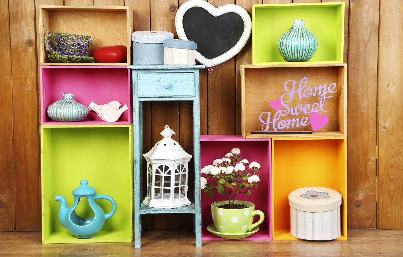 Фото обои цветы, colors, colorful, шкатулка, ваза, design, flowers, interior, полки, home, decoration, lantern