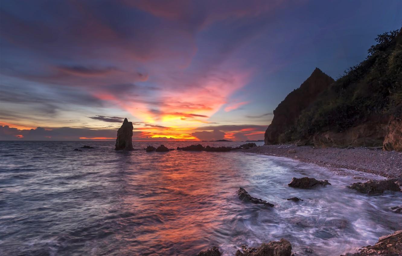 Фото обои песок, море, волны, пляж, лето, небо, закат, камни, скалы, берег, summer, сумерки, beach, sea, sunset, …