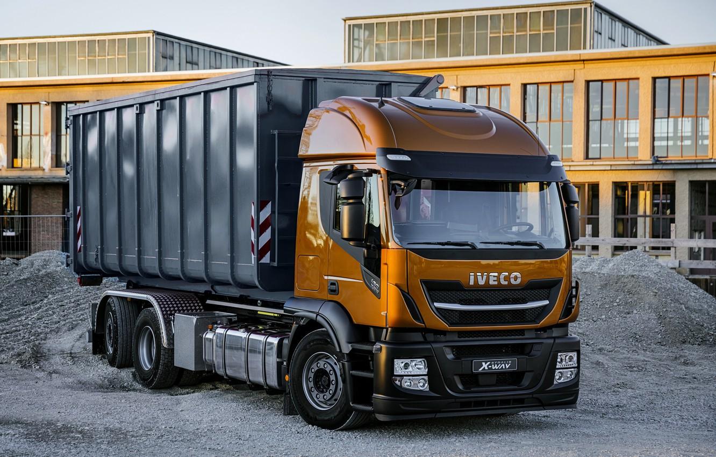 Фото обои здание, кабина, кузов, щебень, порода, самосвал, Iveco, 6x4, Stralis X-Way, Super Loader, оранжево-чёрный