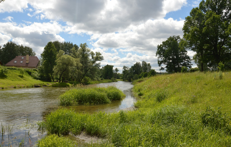 Фото обои Природа, Облака, Трава, Деревья, Лето, Nature, Clouds, Grass, Речка, Summer, River, Trees