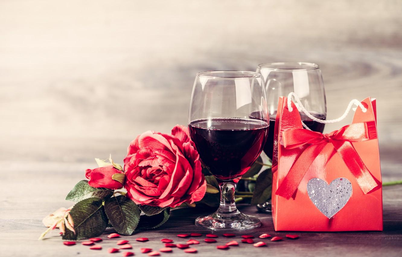 Фото обои подарок, вино, бокалы, red, love, romantic, hearts, valentine's day, gift, roses, красные розы