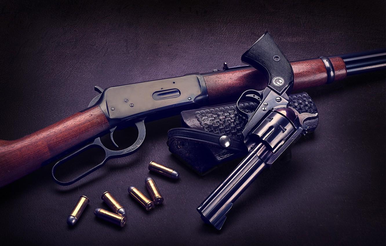 Фото обои ружьё, патроны, револьвер