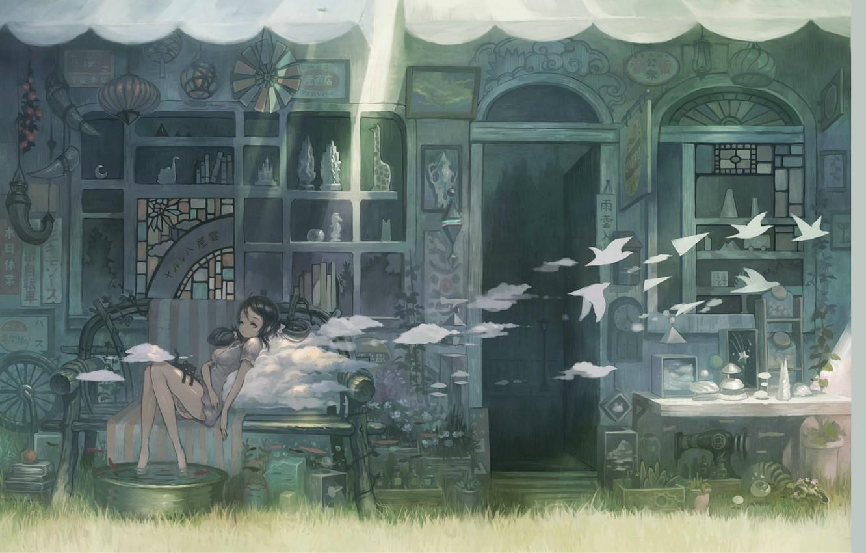 Фото обои лето, трава, облака, скамейка, девочка, птички, вход, витрина, сувениры, деревянный дом, швейная машинка, тазик