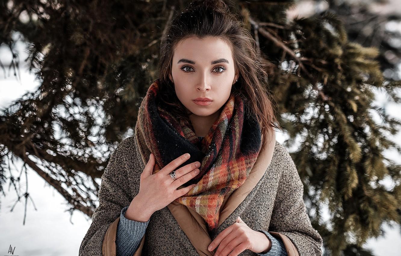 Фото обои зима, взгляд, девушка, снег, шарф, фотограф, платок, Model, пальто, боке, Andrey Vechkenzin, Regina Gumerova