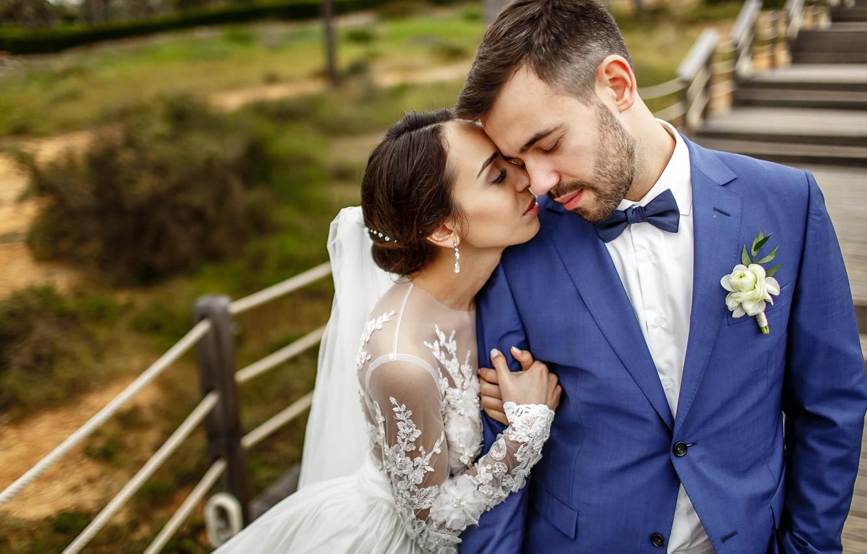 Фото обои любовь, поцелуй, платье, невеста, свадьба, жених