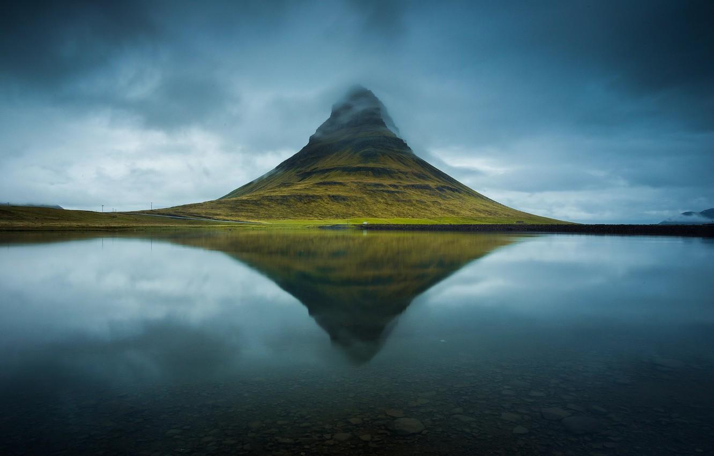 Фото обои вода, озеро, река, Исландия, гора Kirkjufell