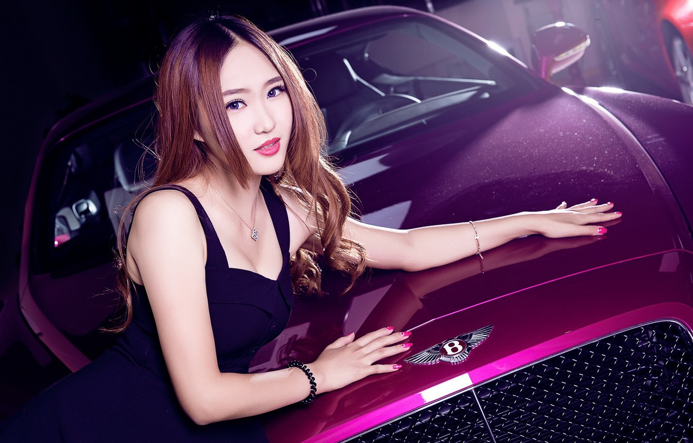 Фото обои взгляд, Bentley, Девушки, азиатка, красивая девушка, малиноый авто