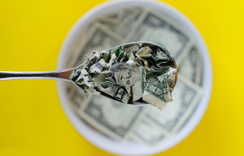 Фото обои деньги, завтрак, ложка, доллары, порванные, боке