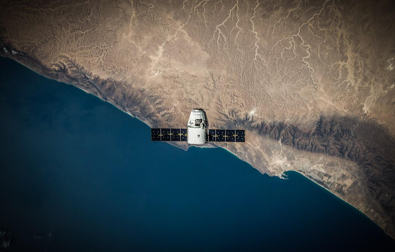 Фото обои поверхность, Земля, Dragon, вид сверху, космический корабль, транспортный, SpaceX, частный, aerial view, Dragon SpaceX, со …