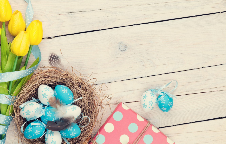 Фото обои Пасха, тюльпаны, yellow, wood, tulips, spring, Easter, eggs, decoration, Happy, tender