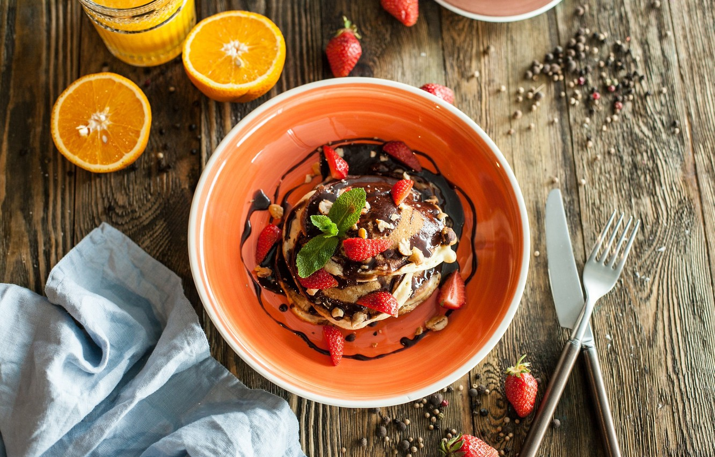 Фото обои шоколад, завтрак, клубника, сок, десерт, wood, оладьи