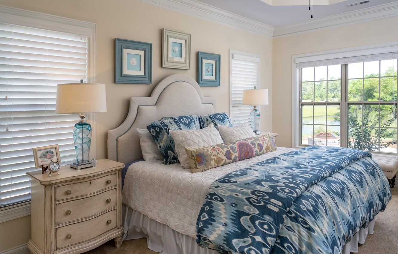 Фото обои белье, лампа, кровать, спальня, комод