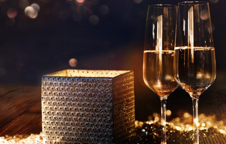 нейросети пользовательницы фотографии шампанского на столе пост