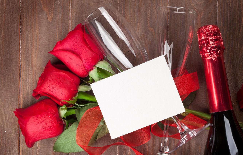 Фото обои любовь, цветы, розы, букет, бокалы, красные, red, love, wood, flowers, romantic, Valentine's Day, gift, roses