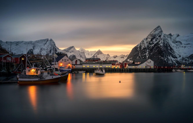 Фото обои зима, море, снег, закат, горы, огни, побережье, дома, лодки, причал, Норвегия, катера, Norway, Лофотенские острова, …