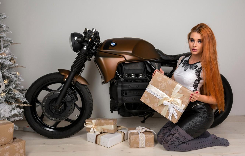 Фото обои bmw, подарки, Новый год, рыжая, байк, model, Dana Bounty